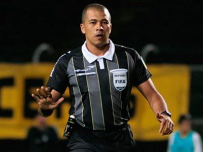 Adrián Vélez