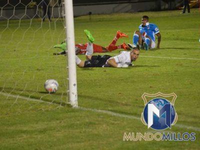 Santiago Mosquera gol